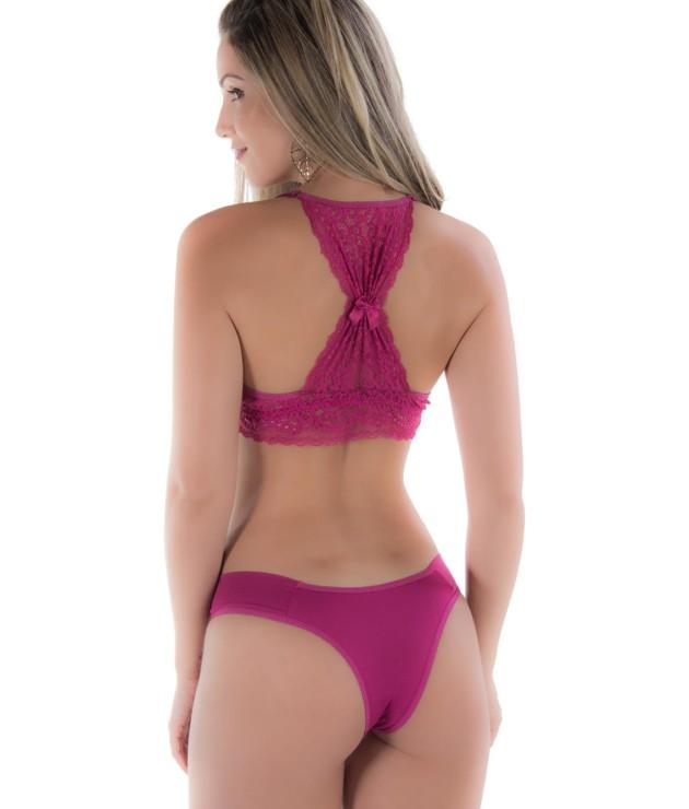 Conjunto de lingerie com renda nas costas